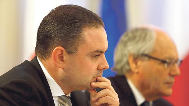 Justice Minister Owen Bonnici is holding talks with the Institute of Maltese Journalists.
