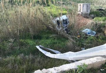 Truck crashes down Ġnejna valley, breaks in two