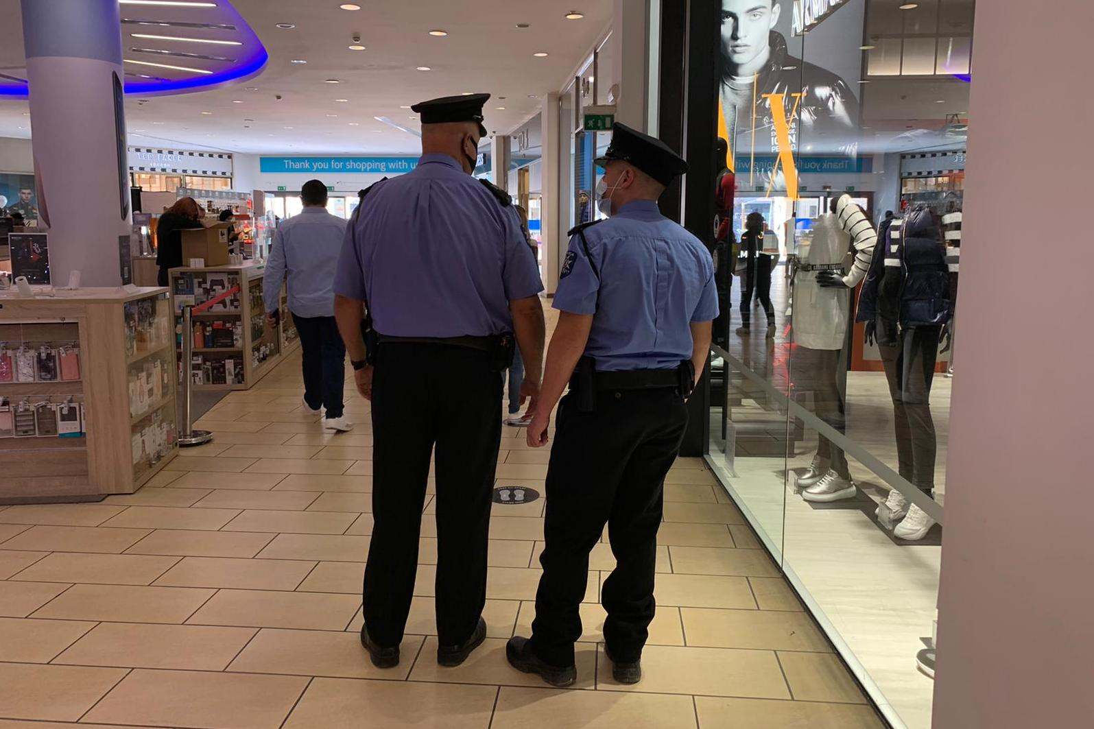 Police officers were seen patrolling Tigne Point mall. Photo: Jessica Arena
