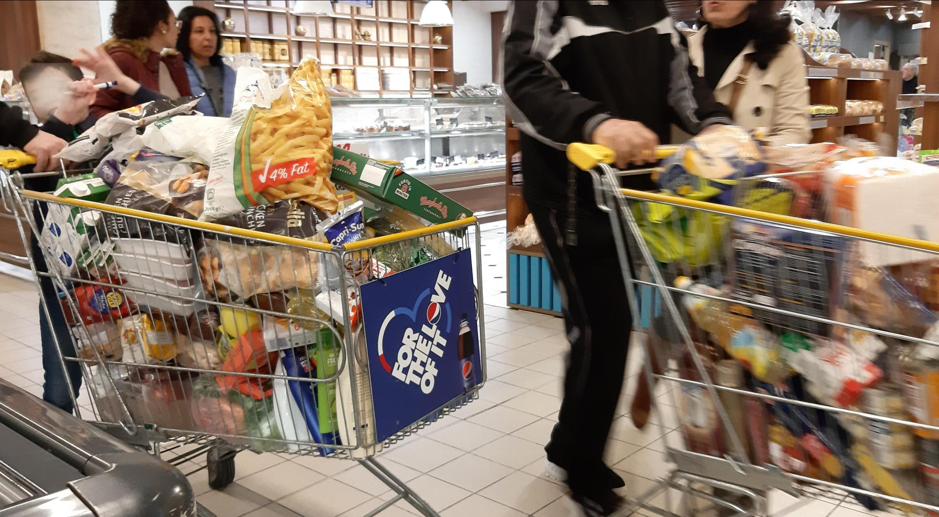 Protect yourself properly when grocery shopping, and you'll be fine. Photo: Chris Sant Fournier