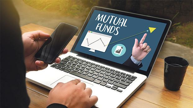 For a retail investor, one of the best ways to manage risks is by investing in mutual funds. Photo: Shutterstock