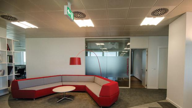 Vodafone's new head office at the Sky Parks Business Centre embraces a brand new corporate setting that enhances productivity, teamwork and improves organisational communication.