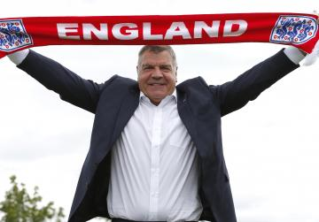 England to bin Allardyce T-shirts for Malta match