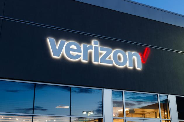 Verizon to sell Yahoo, AOL for $5 billion to private equity firm