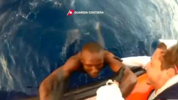 More than 90 migrants believed missing after boat sinks off Libya