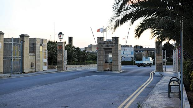 The Gozo General Hospital is being kept on 'life support' thanks to Mater Dei Hospital doctors.