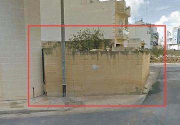 Illegal wall required to enclose land, Planning Authority says, despite danger
