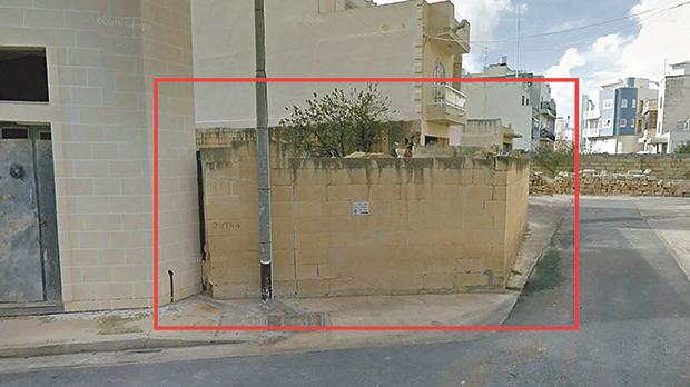 An illegal wall jutting out of a street in Żabbar is worrying residents that an accident is imminent.