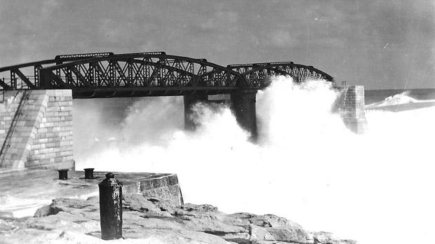 The viaduct at Fort St Elmo Breakwater was destroyed during the Italian E-Boat attack in World War II; it has since been replaced by a single-span bridge.