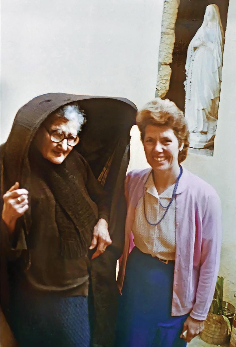 Ċensa with relative Yvonne Borg née Tyler.