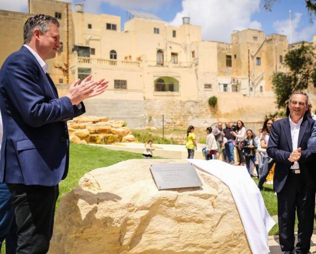 Minister Konrad Mizzi (left) and Joe Mizzi (right) did the honours. Photo: DOI/Tourism Ministry
