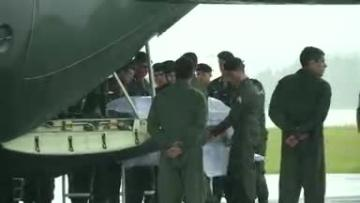 Thousands pay respects to Brazilian football team plane crash victims