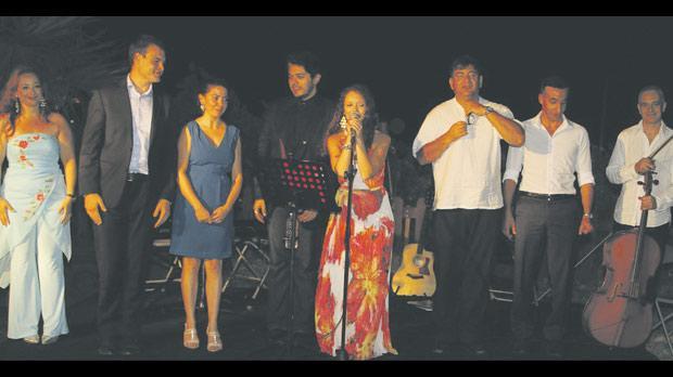 Rachel Fabri and performers. Photos: Andrew Cutugno