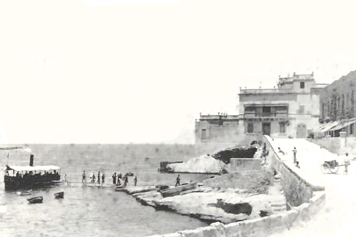 The rudimentary landing stage at Balluta.