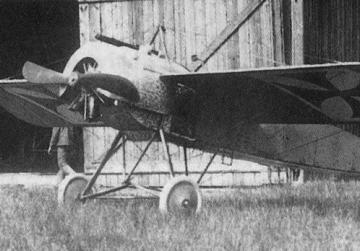 Kurt Wintgens was involved in the first successful aerial engagement in a Fokker M.5K-MG E.5-15 Fokker Eindecker aircraft fitted with a synchronised machine gun in July 1915.