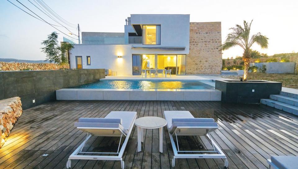 Villa outdoor area.