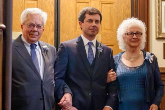 Pete Buttigieg with his father, Joseph, who emigrated from Malta to the US in the 1970s and mother Jennifer Anne Montgomery.