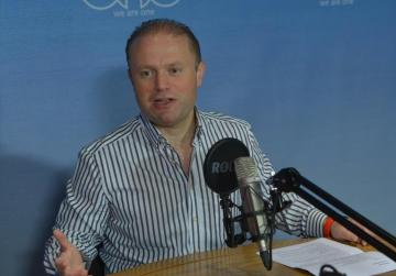 Muscat: The economy is growing 'despite' the banks - PM keeps up attack on practices