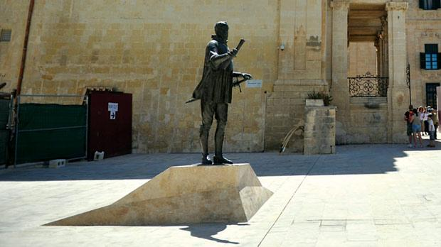 The statue of the Grand Master by sculptor Joseph Chetcuti inaugurated in Piazza de Valette in Valletta, on November 21, 2012, shows him holding Valletta's plan in one hand and the sword of victory in the other. Photo: Jason Borg