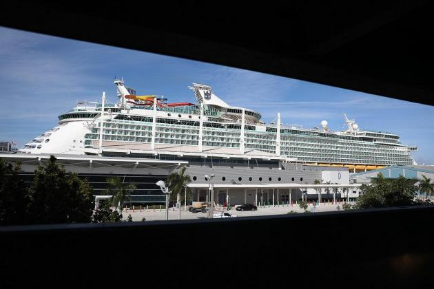 Florida sues to end cruise ship COVID-19 restrictions