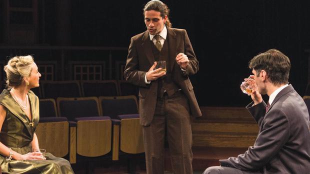 The actors with Julia Calvert. Photos: Sebio