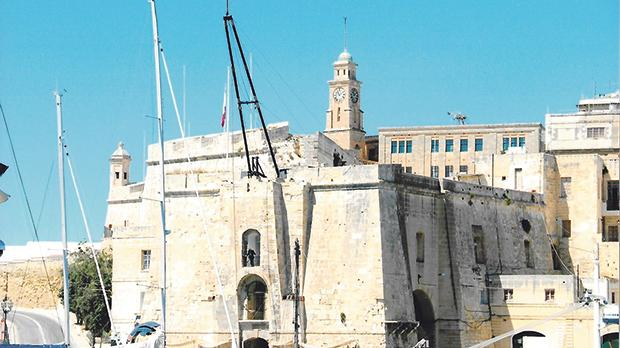 The sheers erected for Senglea Maritime Festival in 2009.