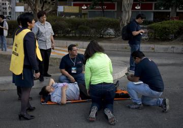 Helicopter crash kills 13 on ground in wake of earthquake in Mexico