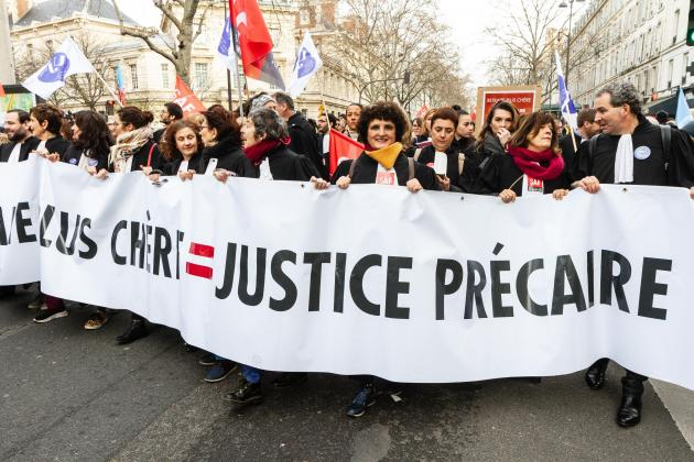 No end in sight for strike as French government offers pension compromise