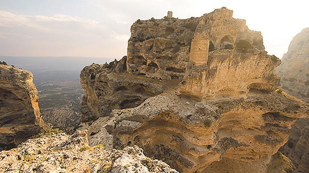 Monastic caves near Alahan, Turkey. Photo: Nazlı Evrim Şerifoğlu