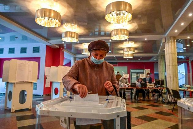 Pro-Kremlin party leading vote after crackdown