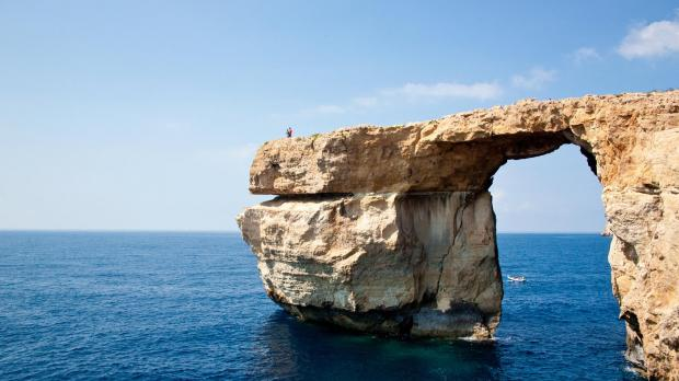 The fissure on the left wall of the Azure window, where the collapse took place. Picture Jeff Muscat mynews@timesofmalta.com