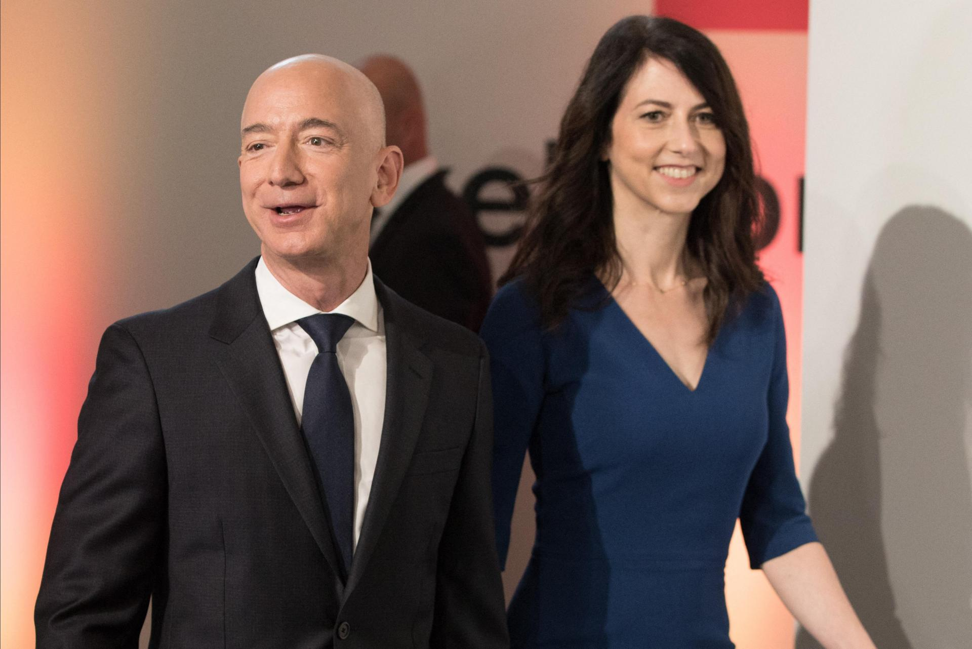 Another high-profile divorce was that of Amazon founder Jeff Bezos and his wife MacKenzie, two years ago. Photo: Jörg Carstensen/DPA/AFP