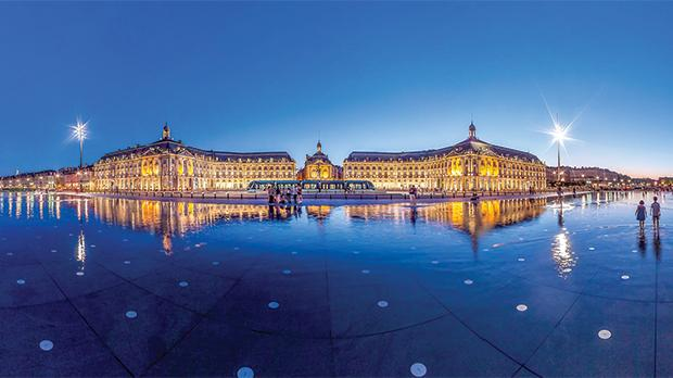 Bordeaux at night. Photo: Christophe Bouth