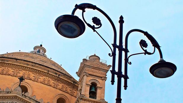 Mosta Dome as seen from below a lamp post. Photo: Choy Hong (Jasmine) Grech