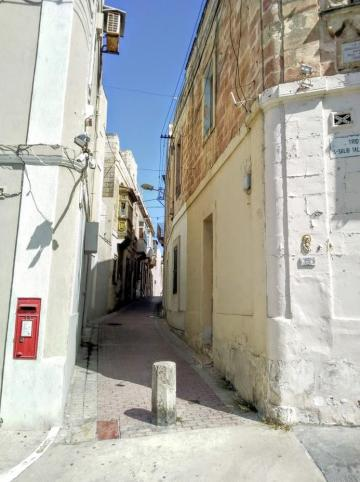 The corner of Triq Il-Salib Tal-Marsa was quiet on September 19 compared to the picture painted by protesters in the 'solidarity walk' a few days earlier. Photo: David Johansson.