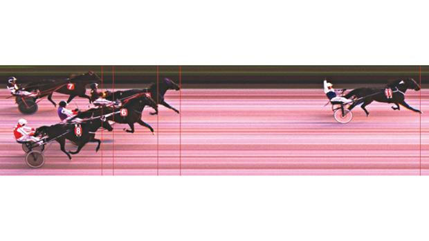 Photo-finish in the VOB final, won by Palazio Valterne.