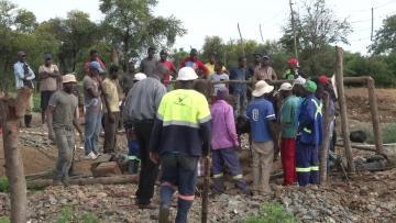 Dozens feared dead in Zimbabwe gold mine flood