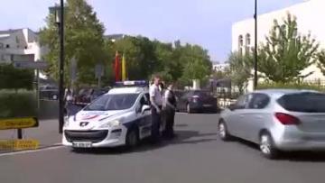 Man kills mother, sister in Paris suburb