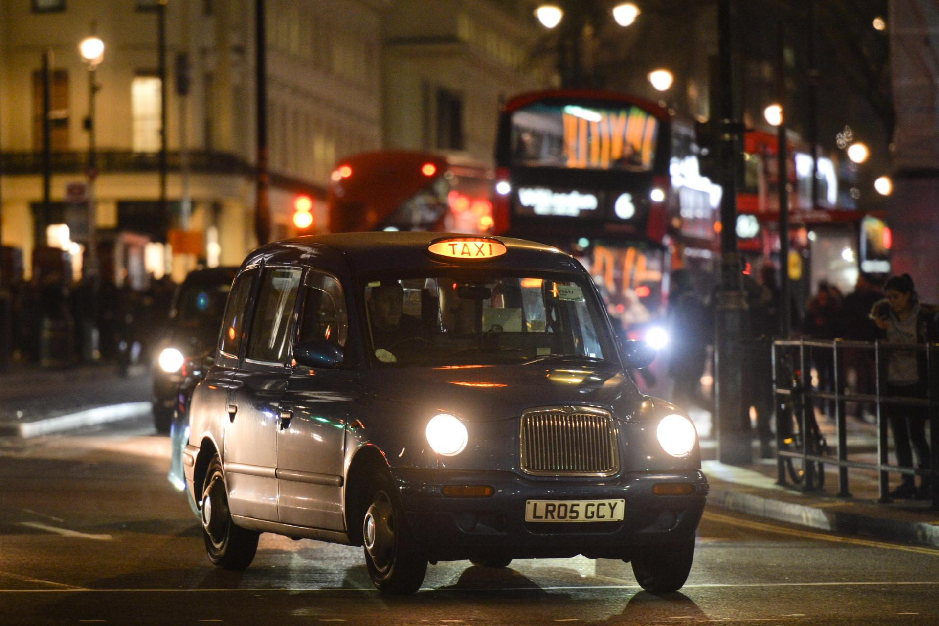 how to get black cab licence in london