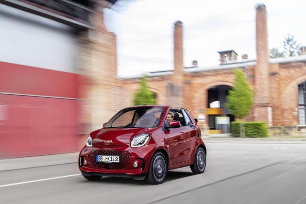 Mercedes-Benz and Geely announce joint ownership of Smart