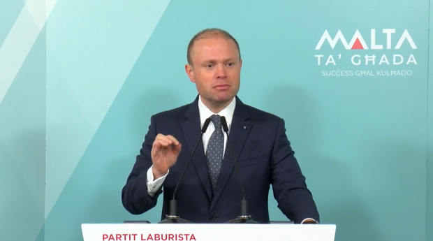 Prime Minister Joseph Muscat spoke at the Labour Party club in Mellieħa on Sunday