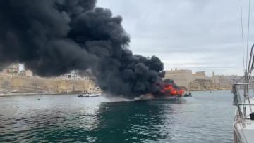 Watch: Boat bursts into flames at Kalkara | Video: Daniel Cilia