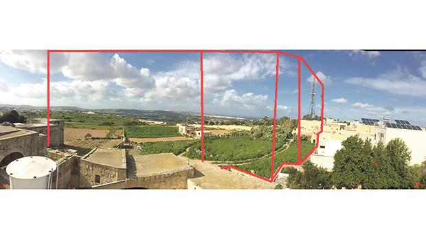 The land on which the four-storey development is proposed forms part of a series of fields that border the urban conservation area of Għargħur and extend down into the valley on to Victoria Lines.