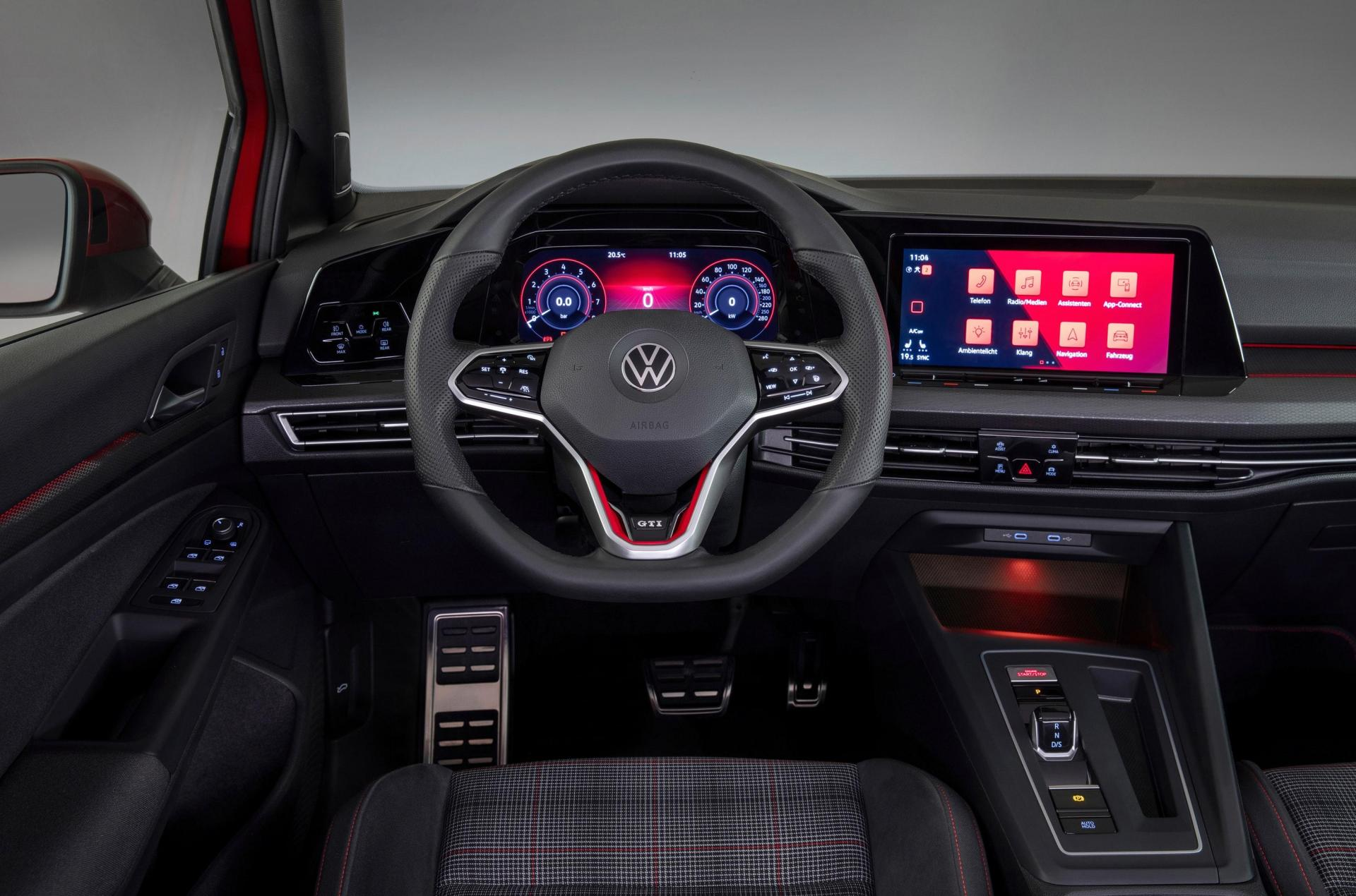 The GTI and GTD models get the digital cockpit as standard, while the GTE gets the upgraded Innovision Cockpit. (VW)