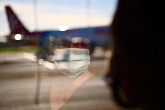 Tourist arrivals in November down 92%, income drops 90%