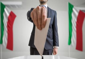 Italy should go to early vote if government falls - cabinet official