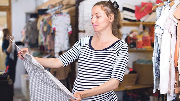 """Some retailers put up signs that state """"No Refunds"""" or """"No Exchanges"""" during sales. While these policies may be applied when consumers change their mind about purchases, both consumers and sellers should be aware that if products turn out to be defective, consumers always have a legal right to a free remedy. Photo: Shutterstock.com"""