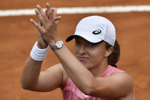 Swiatek serene as questions linger over French Open rivals