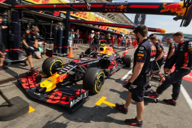 Watch: Aston Martin Red Bull Racing perform a Zero-G pit stop