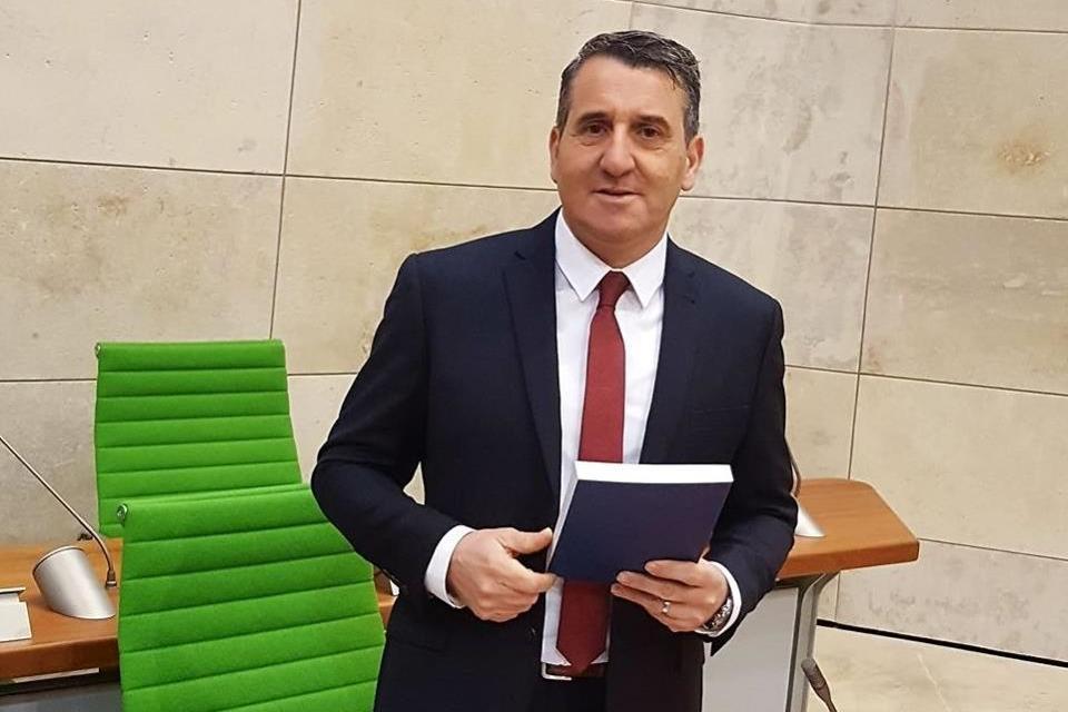 Silvio Parnis.